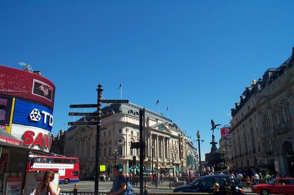 Picadilly Circus en Metro Londres