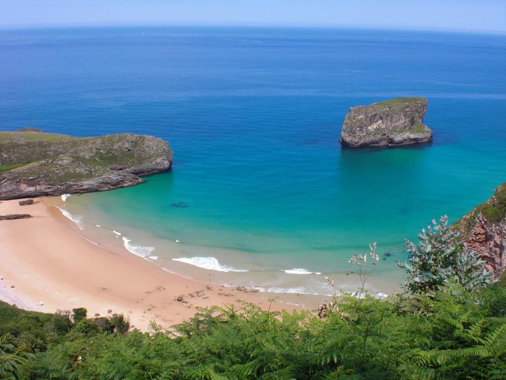 playa de ballota llanes