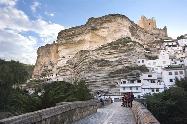 Alcal del j car turismo para aventureros turismo cuatro - Casas alcala del jucar ...