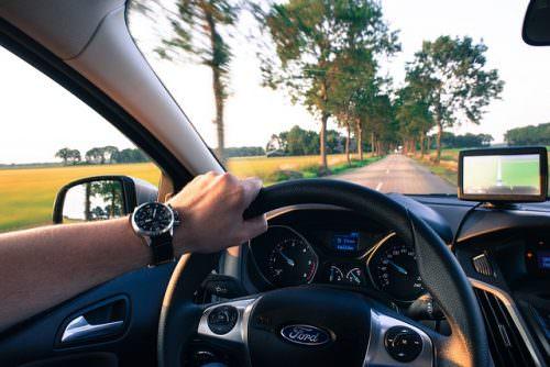 cómo alquilar un coche barato